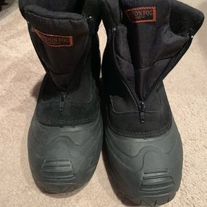 Snow winter boots size 9M men's black new